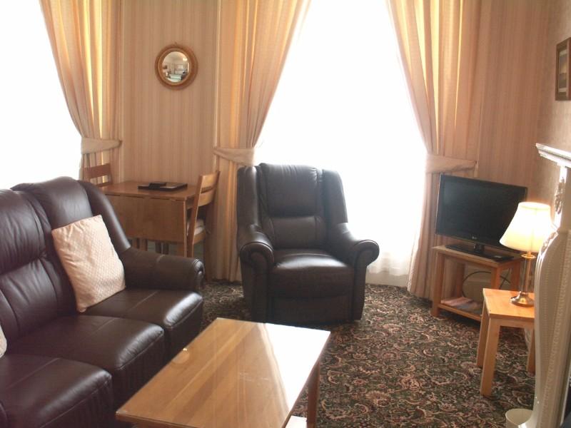 Flat-5-Lounge